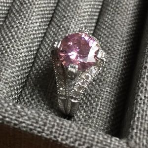 Jewelry - CZ pink and white ring